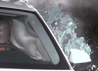 Вылетающие стекла при боковом ударе в водительское место ку7 ауди